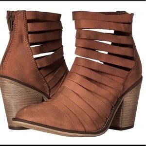 NWT Free People Hybrid Boots